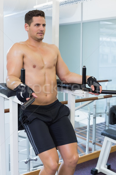 Gömleksiz vücut geliştirmeci bacak spor salonu kulüp kas Stok fotoğraf © wavebreak_media