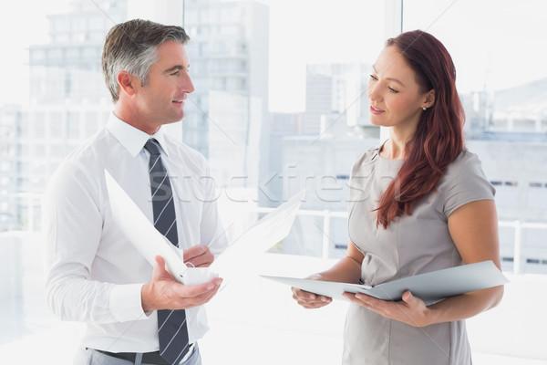Geschäftsleute lächelnd sprechen Arbeit Frau Team Stock foto © wavebreak_media