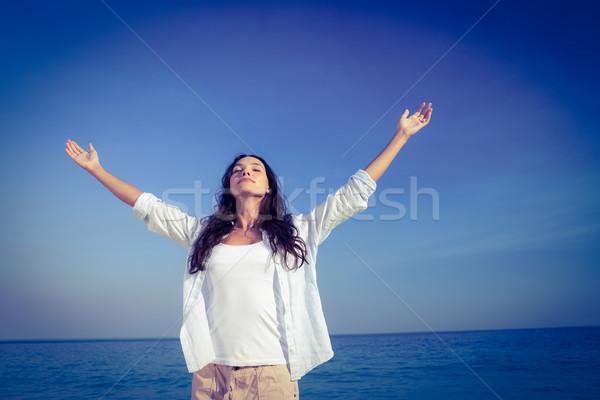 Mutlu kadın gözleri kapalı plaj deniz Stok fotoğraf © wavebreak_media