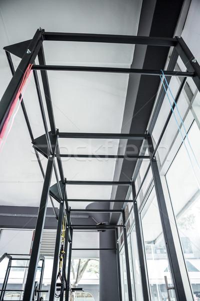 Vista paralelo bares crossfit gimnasio Foto stock © wavebreak_media
