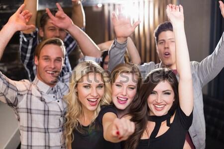 Ritratto giovani amici discoteca Foto d'archivio © wavebreak_media