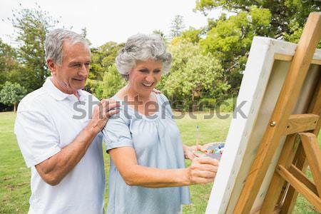 Nieta abuela sesión cubierta sombra digital Foto stock © wavebreak_media