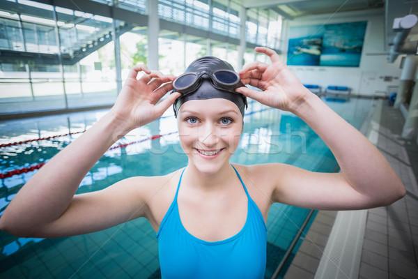 Mulher bonita natação óculos de proteção piscina mulher água Foto stock © wavebreak_media