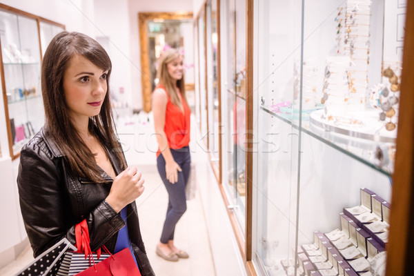 два красивой женщины ювелир магазин торговых Сток-фото © wavebreak_media