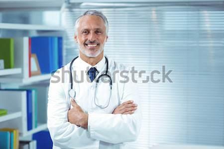 Porträt männlich Chirurg stehen Krankenhaus Stock foto © wavebreak_media