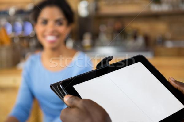 Görüntü barista eller dijital tablet Stok fotoğraf © wavebreak_media
