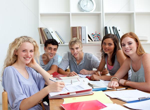 Сток-фото: подростков · домашнее · задание · библиотека · образование · девушки · книга