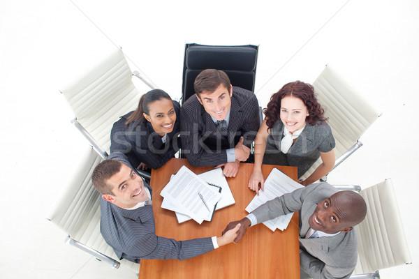 Magasról fotózva kettő üzletemberek kézfogás megbeszélés üzlet Stock fotó © wavebreak_media