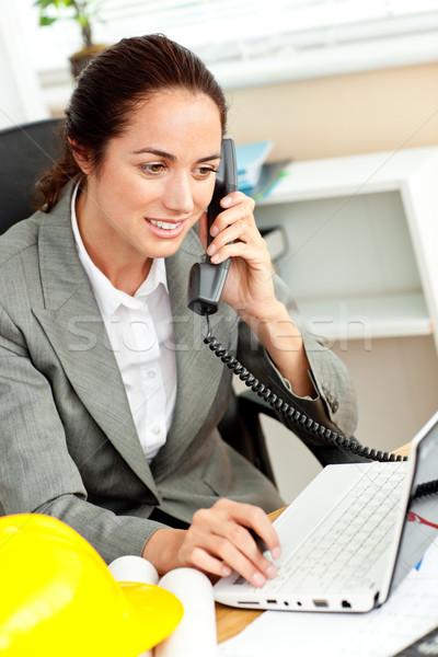 женщины архитектора используя ноутбук говорить телефон служба Сток-фото © wavebreak_media
