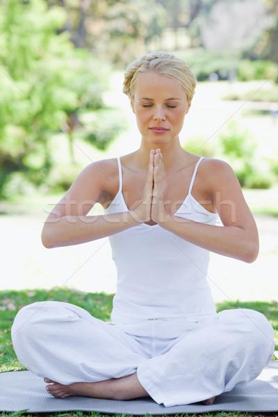 Yoga posizione bellezza estate Foto d'archivio © wavebreak_media