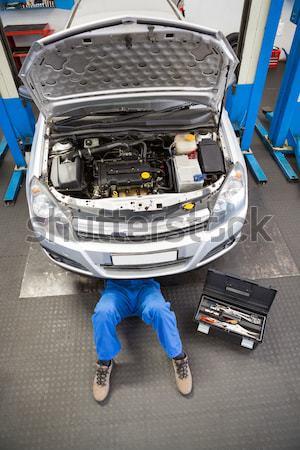 Foto stock: Masculina · mecánico · coche · taller · zapatos · industria