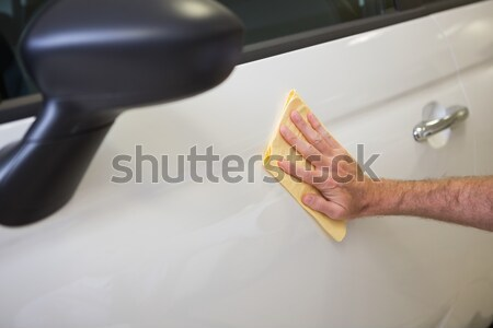 Férfi tart autó ajtó új autó bemutatóterem Stock fotó © wavebreak_media