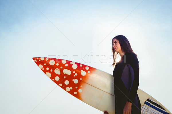 Mujer tabla de surf playa feliz sol Foto stock © wavebreak_media