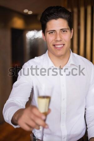 Sonriendo camarero café cliente Cafetería Foto stock © wavebreak_media