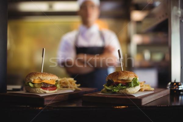 Primo piano vassoio patatine fritte burger fine stazione Foto d'archivio © wavebreak_media