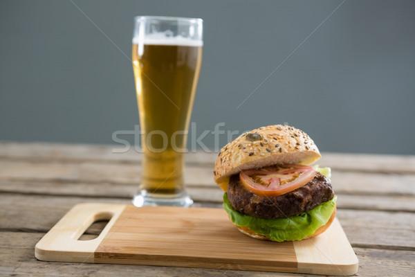 Hambúrguer cerveja vidro tabela Foto stock © wavebreak_media