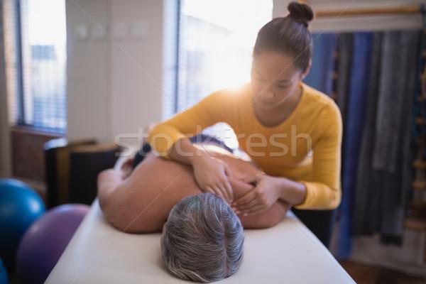Gömleksiz erkek hasta yatak boyun masaj Stok fotoğraf © wavebreak_media