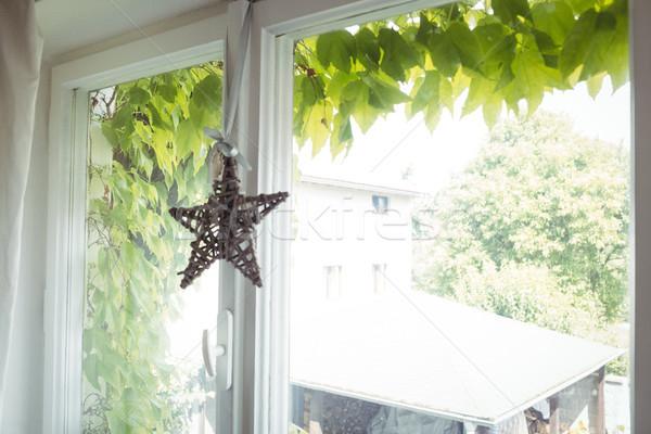 Fonott csillag akasztás ablak otthon szeretet Stock fotó © wavebreak_media