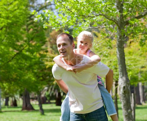 внимательный отец дочь комбинированный девушки улыбка Сток-фото © wavebreak_media