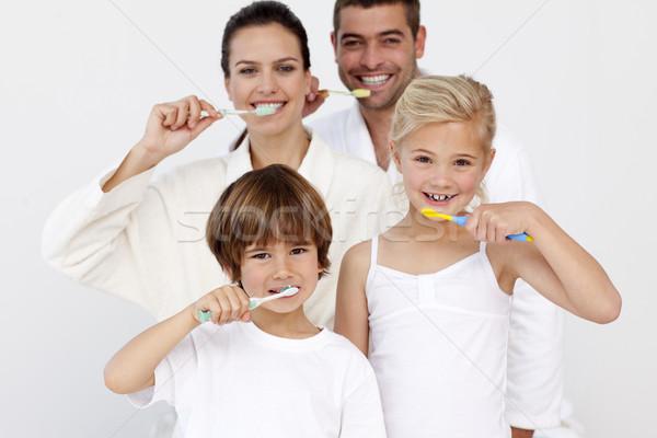 Portré család takarítás fogak fürdőszoba boldog család Stock fotó © wavebreak_media