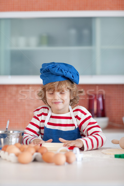 Bonitinho menino cozinha família comida Foto stock © wavebreak_media