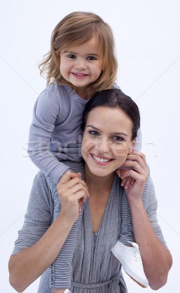Moeder dochter op de rug home meisje glimlach Stockfoto © wavebreak_media