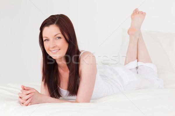 Mooie vrouwelijke bed gezicht sexy model Stockfoto © wavebreak_media