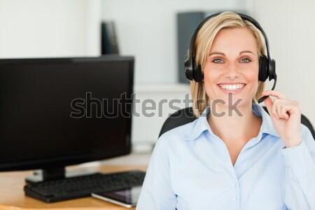 ブロンド 笑顔の女性 着用 ヘッド 見える ストックフォト © wavebreak_media