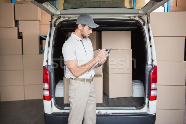Stanie kierowcy listy schowek magazynu Zdjęcia stock © wavebreak_media