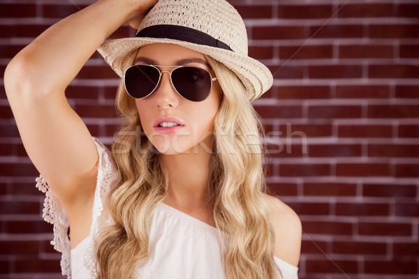 Prachtig blond poseren strohoed Rood Stockfoto © wavebreak_media
