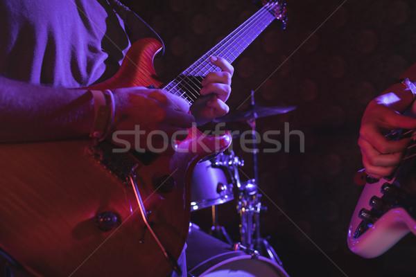 Guitariste discothèque femme musique Photo stock © wavebreak_media