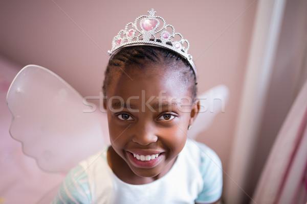 Portret glimlachend meisje fairy kostuum Stockfoto © wavebreak_media