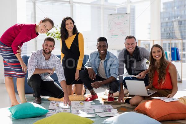 Business colleghi documento ufficio ritratto Foto d'archivio © wavebreak_media