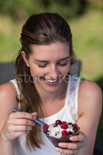 笑顔の女性 デザート 笑みを浮かべて 幸せ 女性 ストックフォト © wavebreak_media