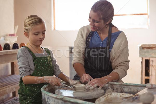 Stok fotoğraf: Mutlu · kadın · kız · çanak · çömlek · atölye · iş