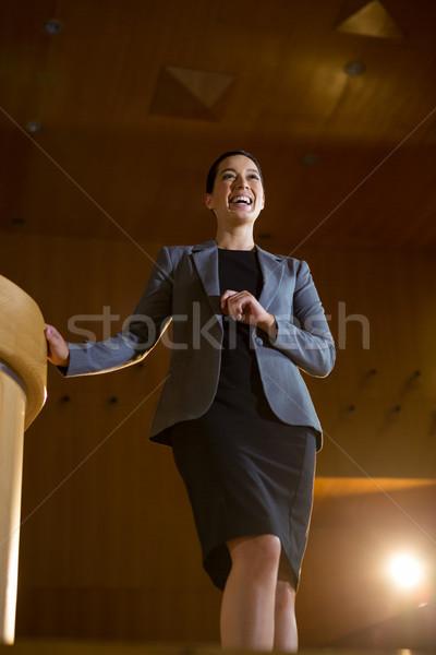 Feminino negócio executivo discurso mulher laptop Foto stock © wavebreak_media