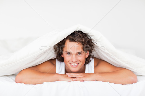 Stok fotoğraf: Adam · yatak · yüz · güzellik · dinlenmek · komik