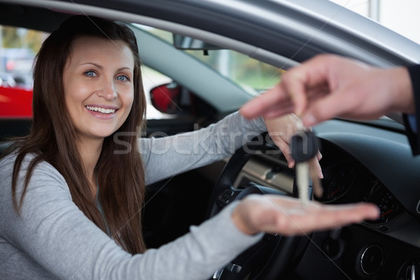 Boldog gyf l slusszkulcs gar zs aut munk s for Client mystere garage automobile