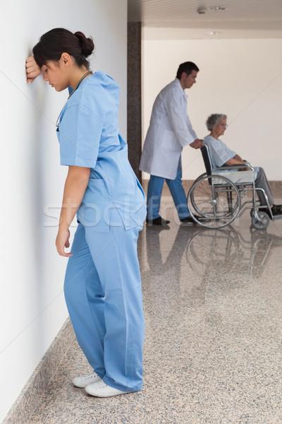 Zdjęcia stock: Pielęgniarki · stałego · ściany · lekarza · pacjenta · wózek
