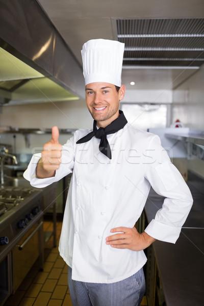 Porträt lächelnd männlich Koch gestikulieren Daumen Stock foto © wavebreak_media