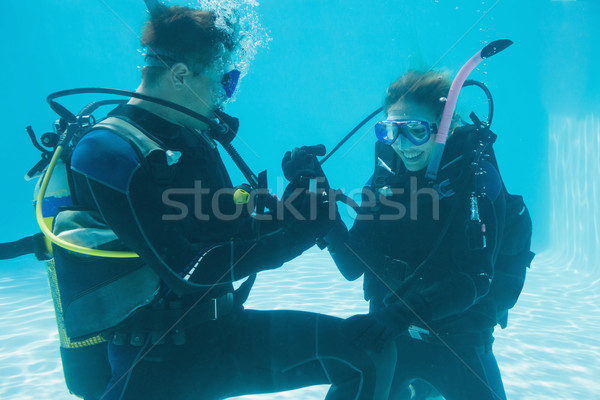 Uomo matrimonio scioccato fidanzata subacquea scuba Foto d'archivio © wavebreak_media