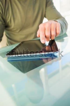 Man aanraken digitale tablet kantoor technologie Stockfoto © wavebreak_media