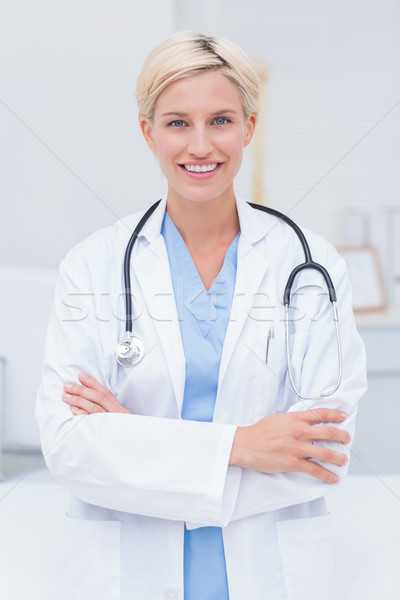 Homme médecin permanent clinique portrait Photo stock © wavebreak_media
