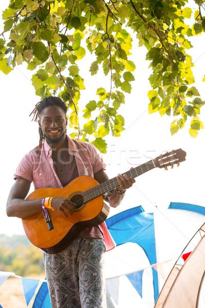 Jóképű hipszter játszik gitár napos idő nyár Stock fotó © wavebreak_media