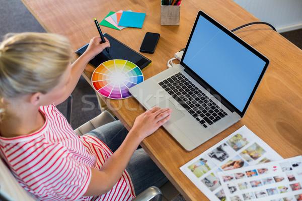 Estilista trabalhando cor roda negócio mulher Foto stock © wavebreak_media