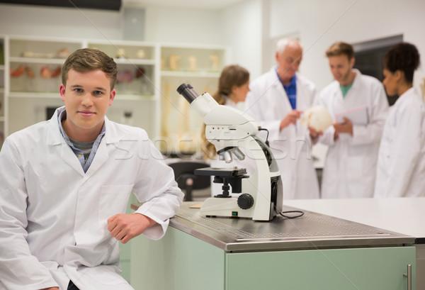 Сток-фото: счастливым · медик · рабочих · микроскоп · университета · человека