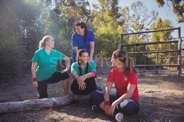 Grupo caber mulheres outro bota acampamento Foto stock © wavebreak_media