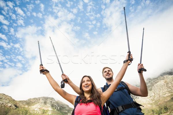 Młodych szczęśliwy biegaczy stałego rock Zdjęcia stock © wavebreak_media