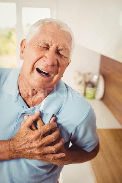 痛い シニア 男 痛み 中心 ホーム ストックフォト © wavebreak_media