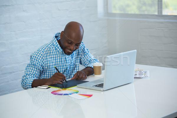 графических дизайнера рабочих графика таблетка служба Сток-фото © wavebreak_media